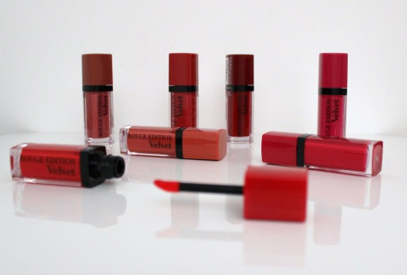 Mlle Delicieuse - Rouge Edition Velvet Bourjois 5